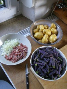 Bohnen und Kartoffeln sind aus dem Garten