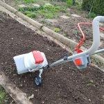 Die Bodenhacke im Gesamtbild bei der Bodenbearbeitung