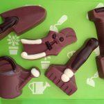 kleines Schokoladenwerkzeug wie Gartenschere oder Spaten