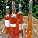 Flaschen mit Vin de cerises